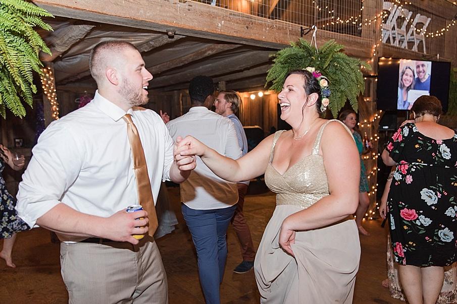 senecaryanco-pennsylvania-wedding-photographer-scranton-barnatglisteningpond_0349.jpg