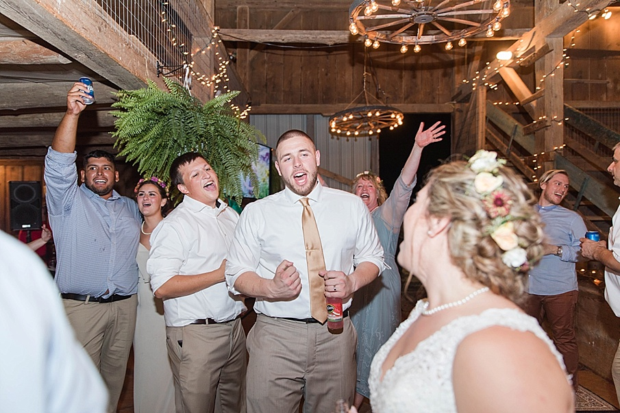 senecaryanco-pennsylvania-wedding-photographer-scranton-barnatglisteningpond_0350.jpg