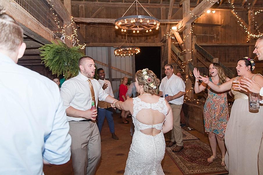 senecaryanco-pennsylvania-wedding-photographer-scranton-barnatglisteningpond_0351.jpg