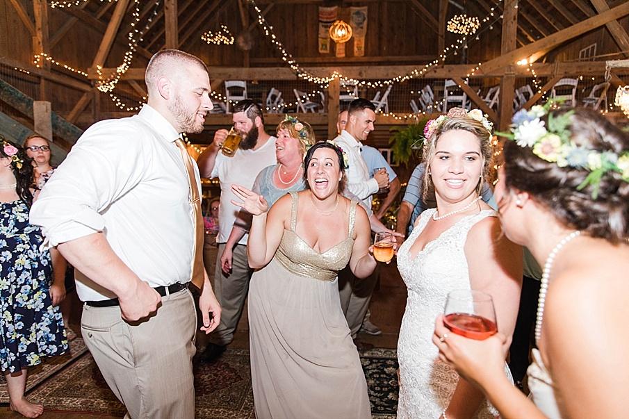 senecaryanco-pennsylvania-wedding-photographer-scranton-barnatglisteningpond_0352.jpg