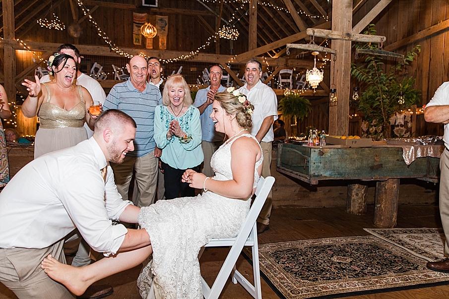 senecaryanco-pennsylvania-wedding-photographer-scranton-barnatglisteningpond_0353.jpg
