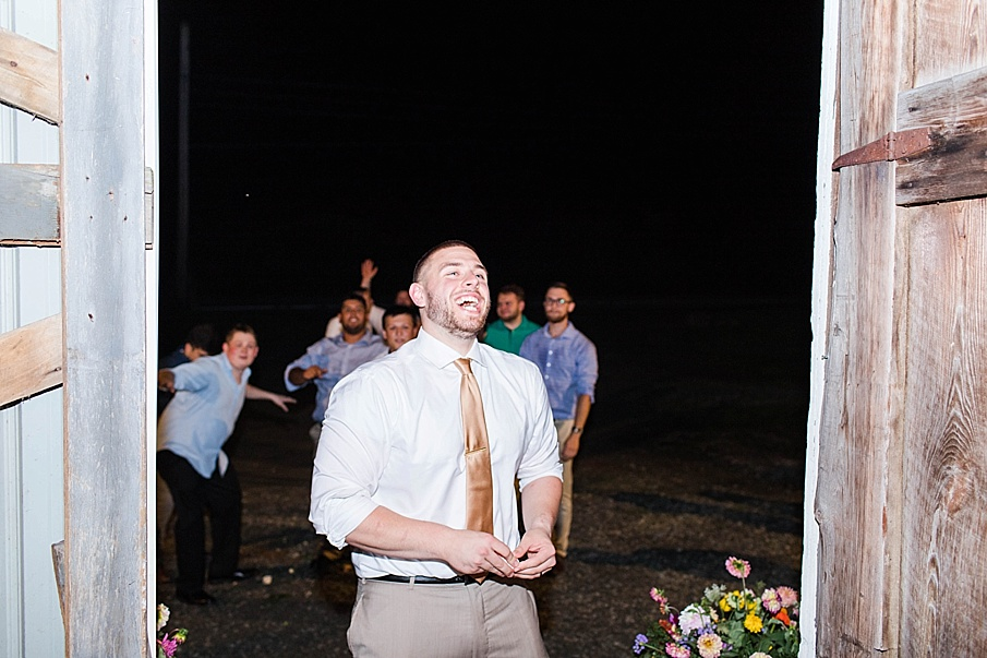 senecaryanco-pennsylvania-wedding-photographer-scranton-barnatglisteningpond_0357.jpg