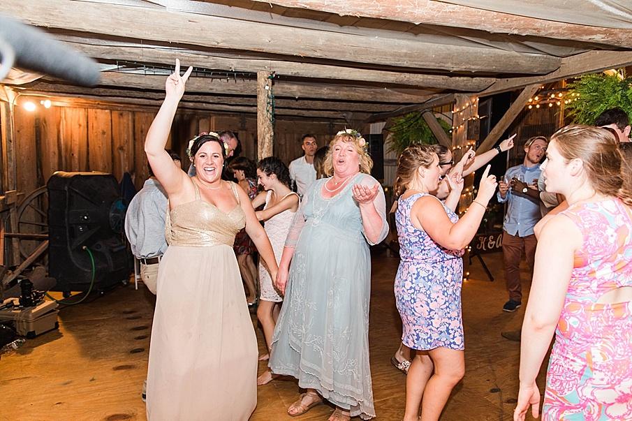 senecaryanco-pennsylvania-wedding-photographer-scranton-barnatglisteningpond_0362.jpg