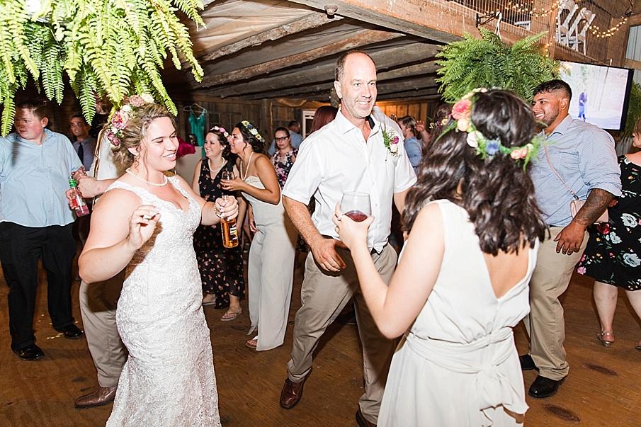 senecaryanco-pennsylvania-wedding-photographer-scranton-barnatglisteningpond_0363.jpg