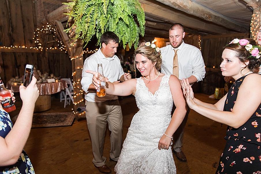 senecaryanco-pennsylvania-wedding-photographer-scranton-barnatglisteningpond_0367.jpg