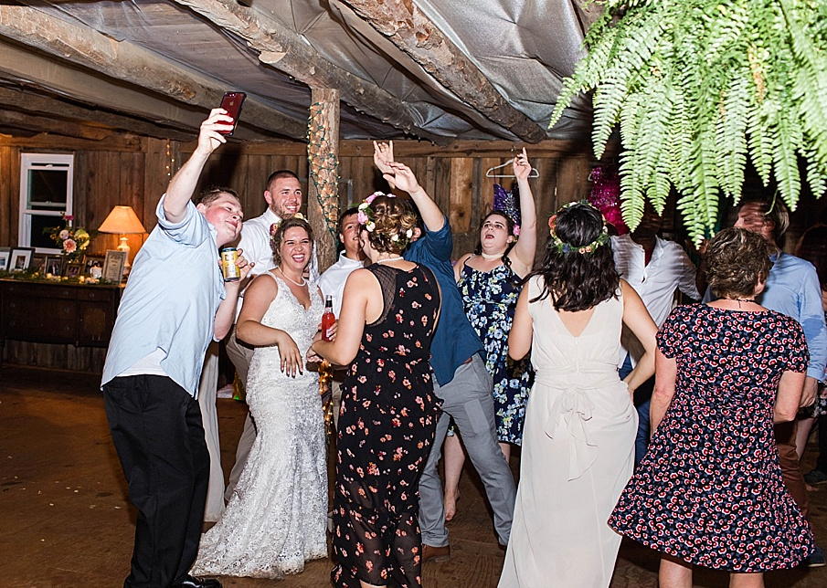 senecaryanco-pennsylvania-wedding-photographer-scranton-barnatglisteningpond_0369.jpg