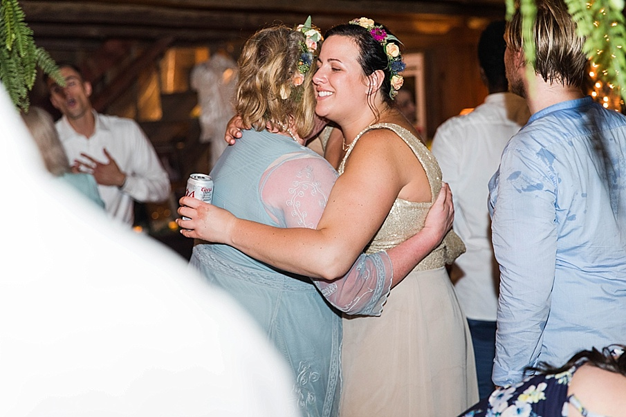senecaryanco-pennsylvania-wedding-photographer-scranton-barnatglisteningpond_0372.jpg