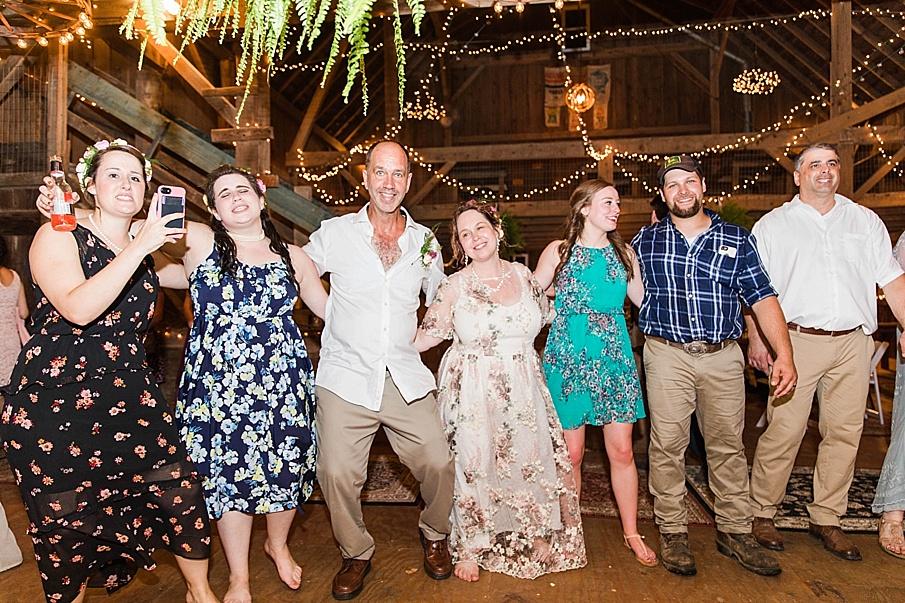 senecaryanco-pennsylvania-wedding-photographer-scranton-barnatglisteningpond_0375.jpg