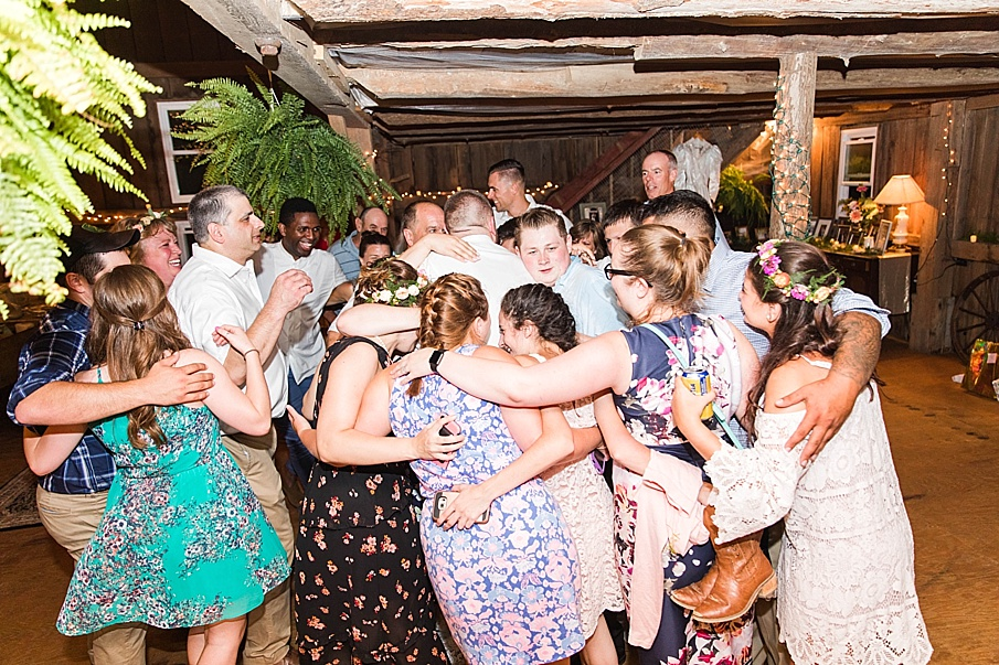 senecaryanco-pennsylvania-wedding-photographer-scranton-barnatglisteningpond_0376.jpg