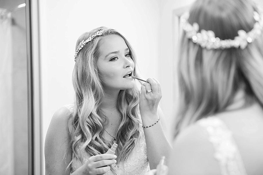 senecaryanco-pennsylvania-wedding-photographer-scranton-barnatglisteningpond_0388.jpg