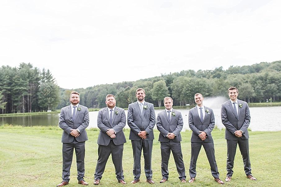 senecaryanco-pennsylvania-wedding-photographer-scranton-barnatglisteningpond_0399.jpg