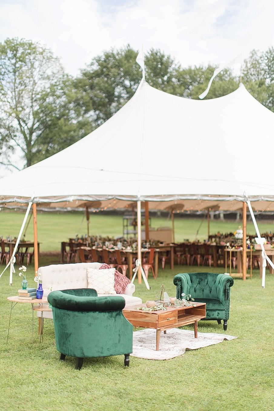 senecaryanco-pennsylvania-wedding-photographer-scranton-barnatglisteningpond_0410.jpg