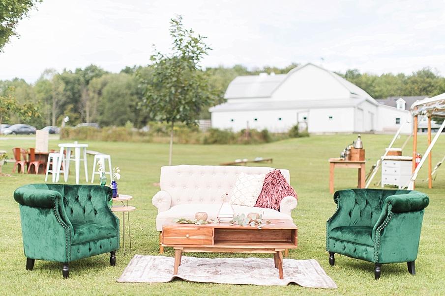 senecaryanco-pennsylvania-wedding-photographer-scranton-barnatglisteningpond_0413.jpg
