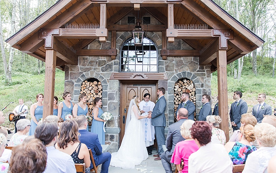 senecaryanco-pennsylvania-wedding-photographer-scranton-barnatglisteningpond_0422.jpg