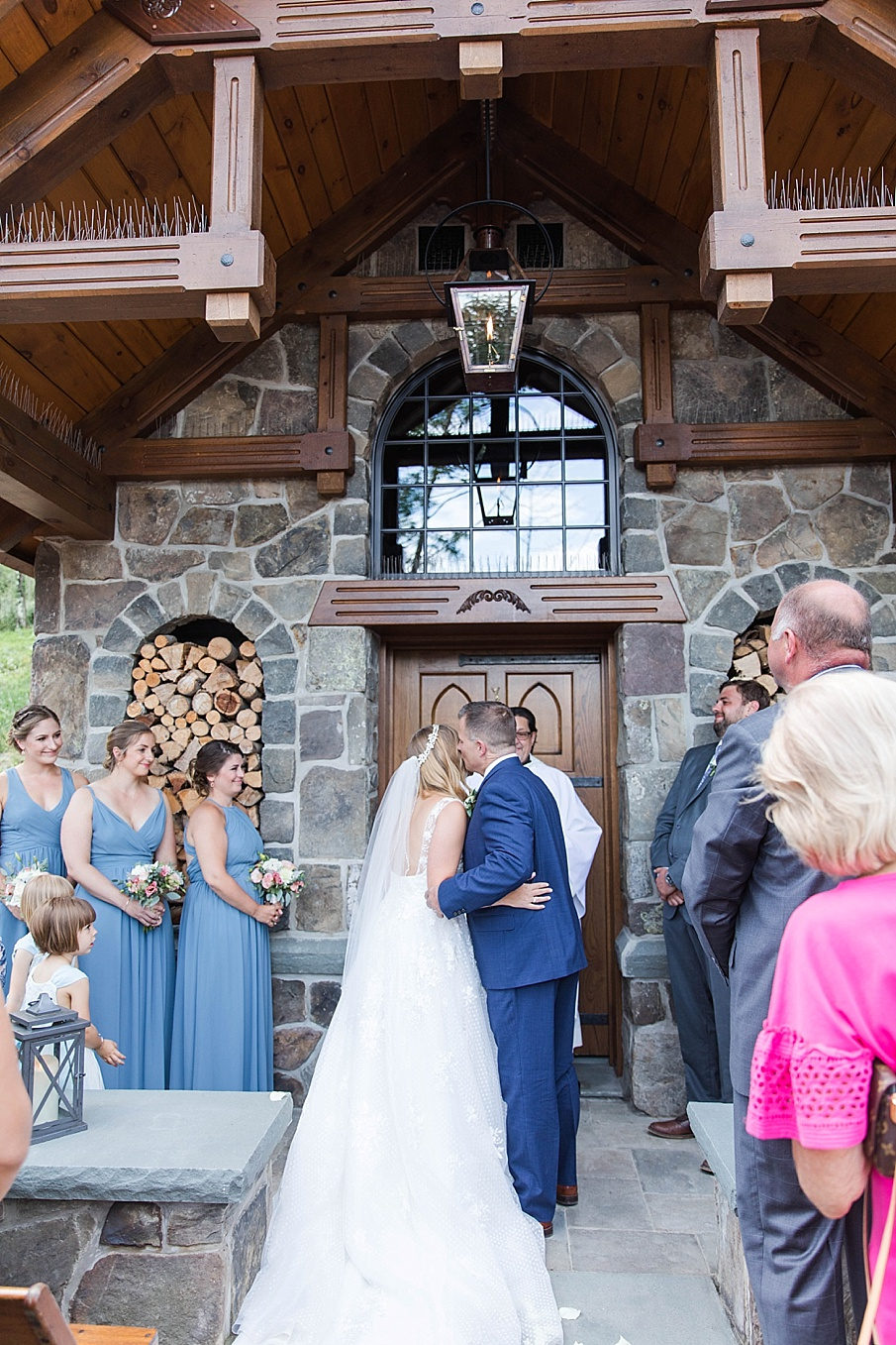 senecaryanco-pennsylvania-wedding-photographer-scranton-barnatglisteningpond_0421.jpg