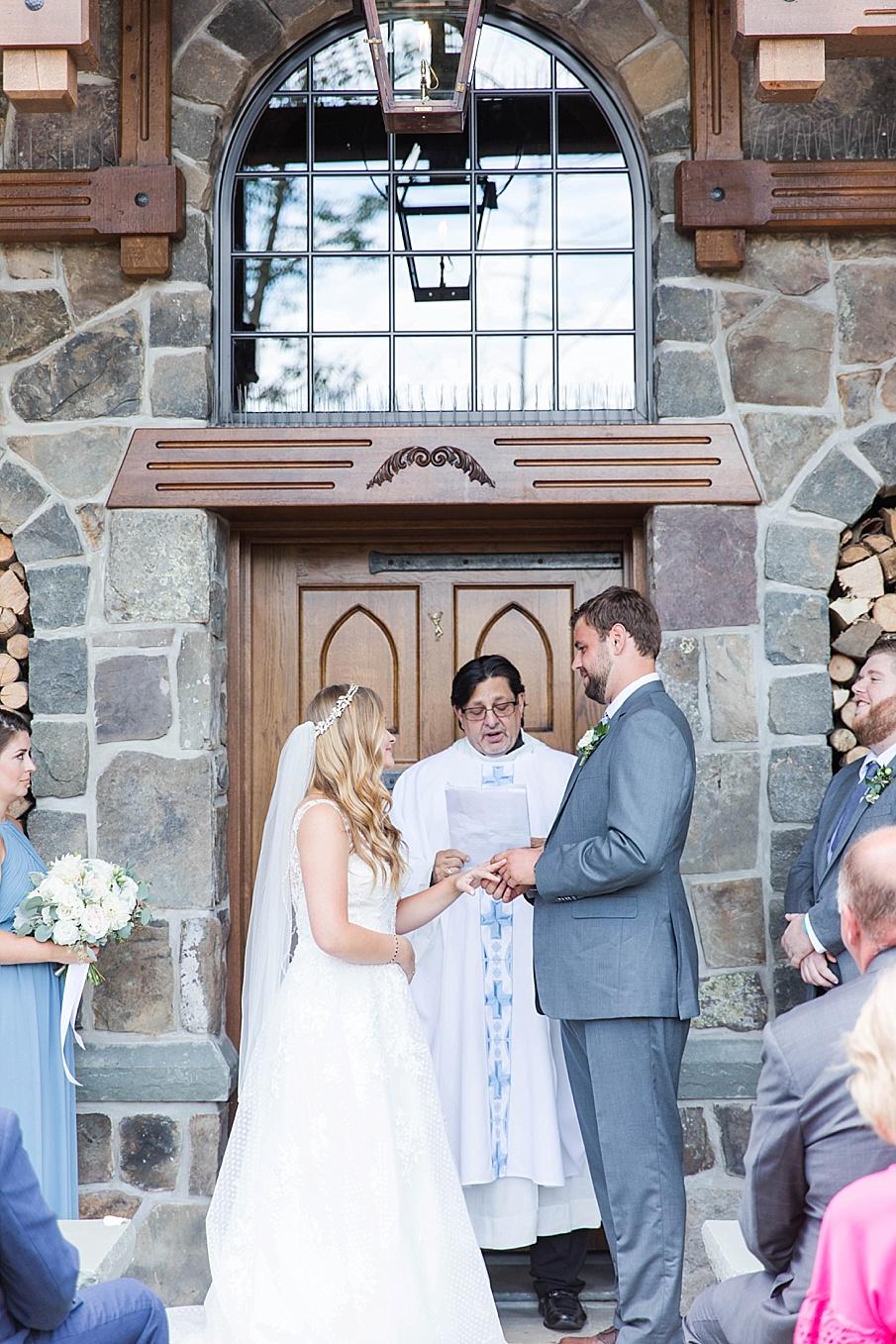 senecaryanco-pennsylvania-wedding-photographer-scranton-barnatglisteningpond_0426.jpg