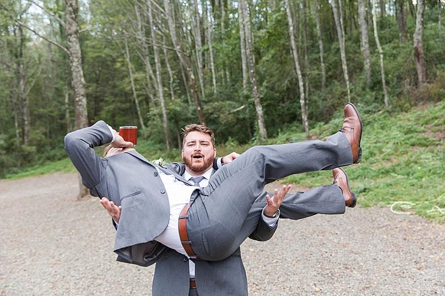 senecaryanco-pennsylvania-wedding-photographer-scranton-barnatglisteningpond_0459.jpg