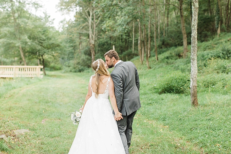 senecaryanco-pennsylvania-wedding-photographer-scranton-barnatglisteningpond_0462.jpg