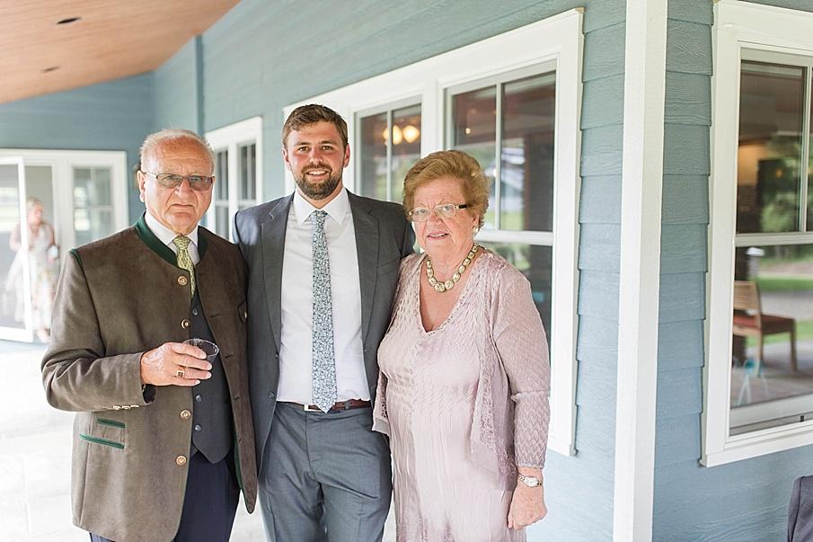 senecaryanco-pennsylvania-wedding-photographer-scranton-barnatglisteningpond_0474.jpg