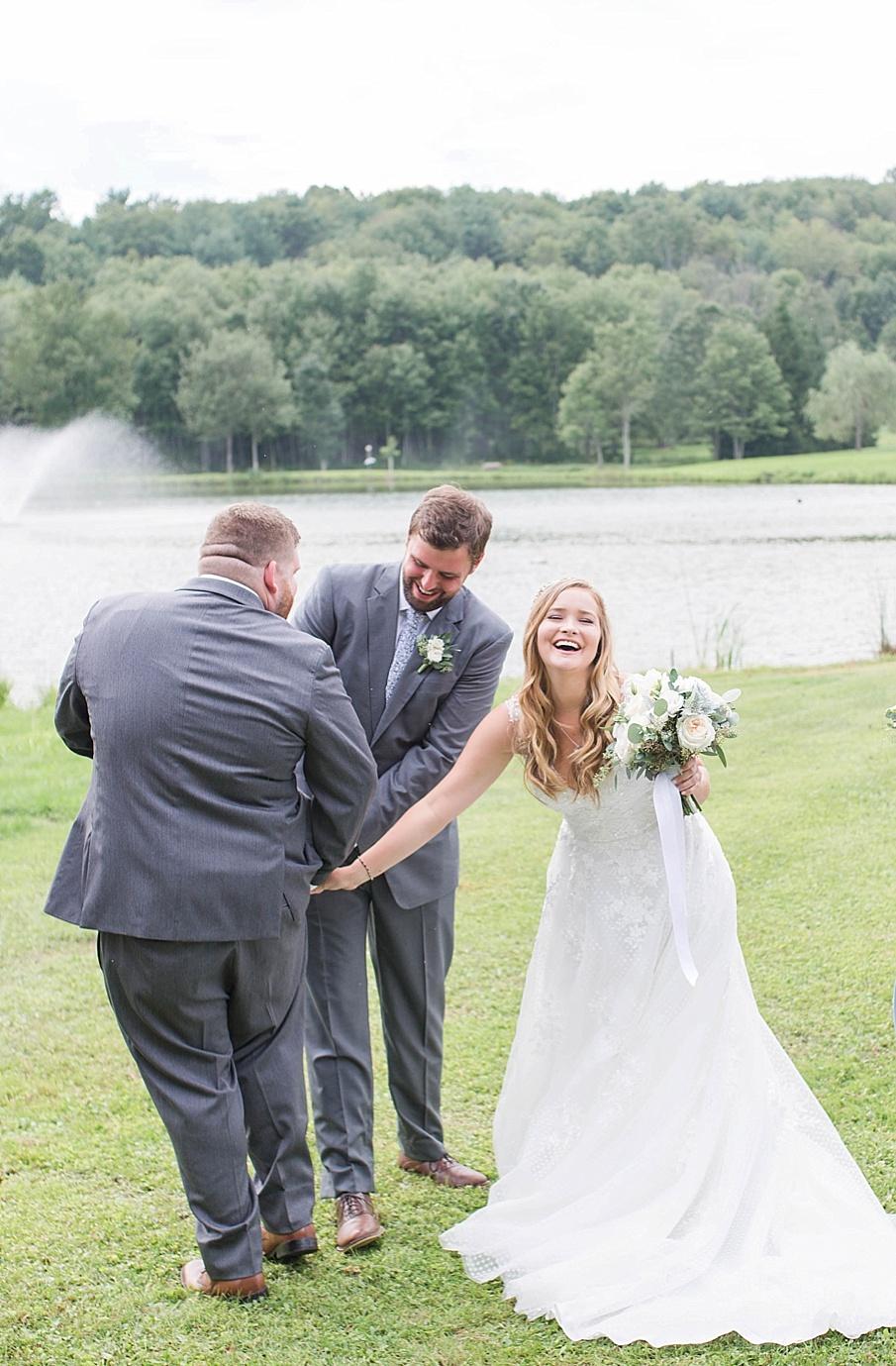 senecaryanco-pennsylvania-wedding-photographer-scranton-barnatglisteningpond_0481.jpg