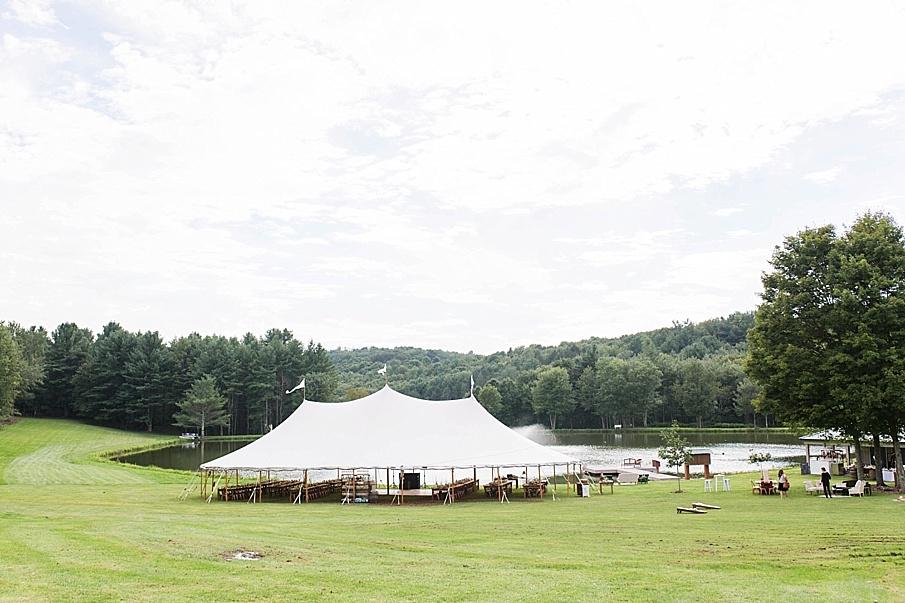 senecaryanco-pennsylvania-wedding-photographer-scranton-barnatglisteningpond_0488.jpg