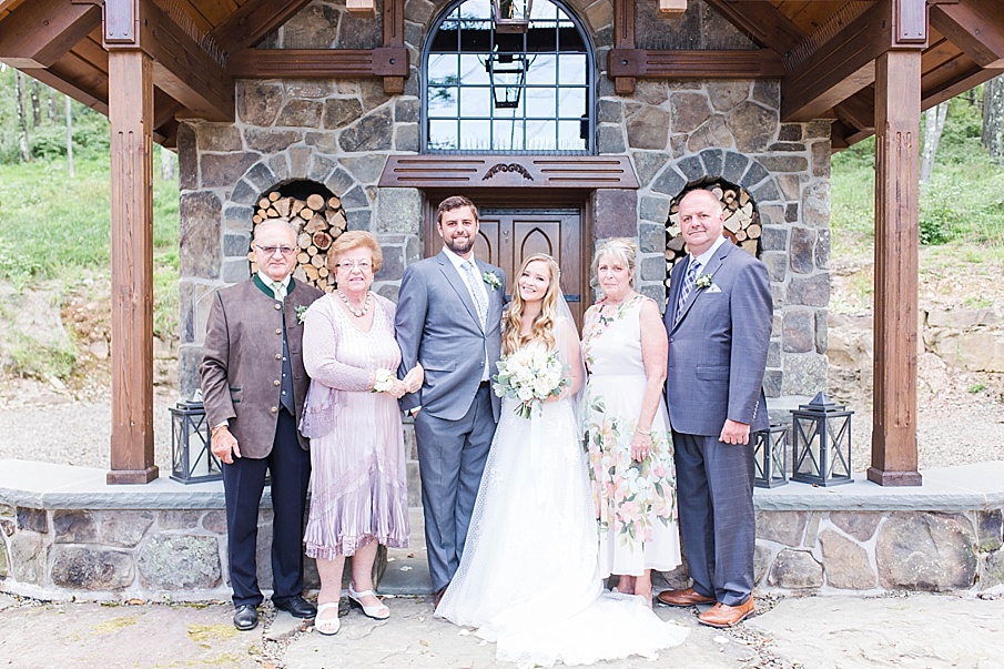 senecaryanco-pennsylvania-wedding-photographer-scranton-barnatglisteningpond_0500.jpg