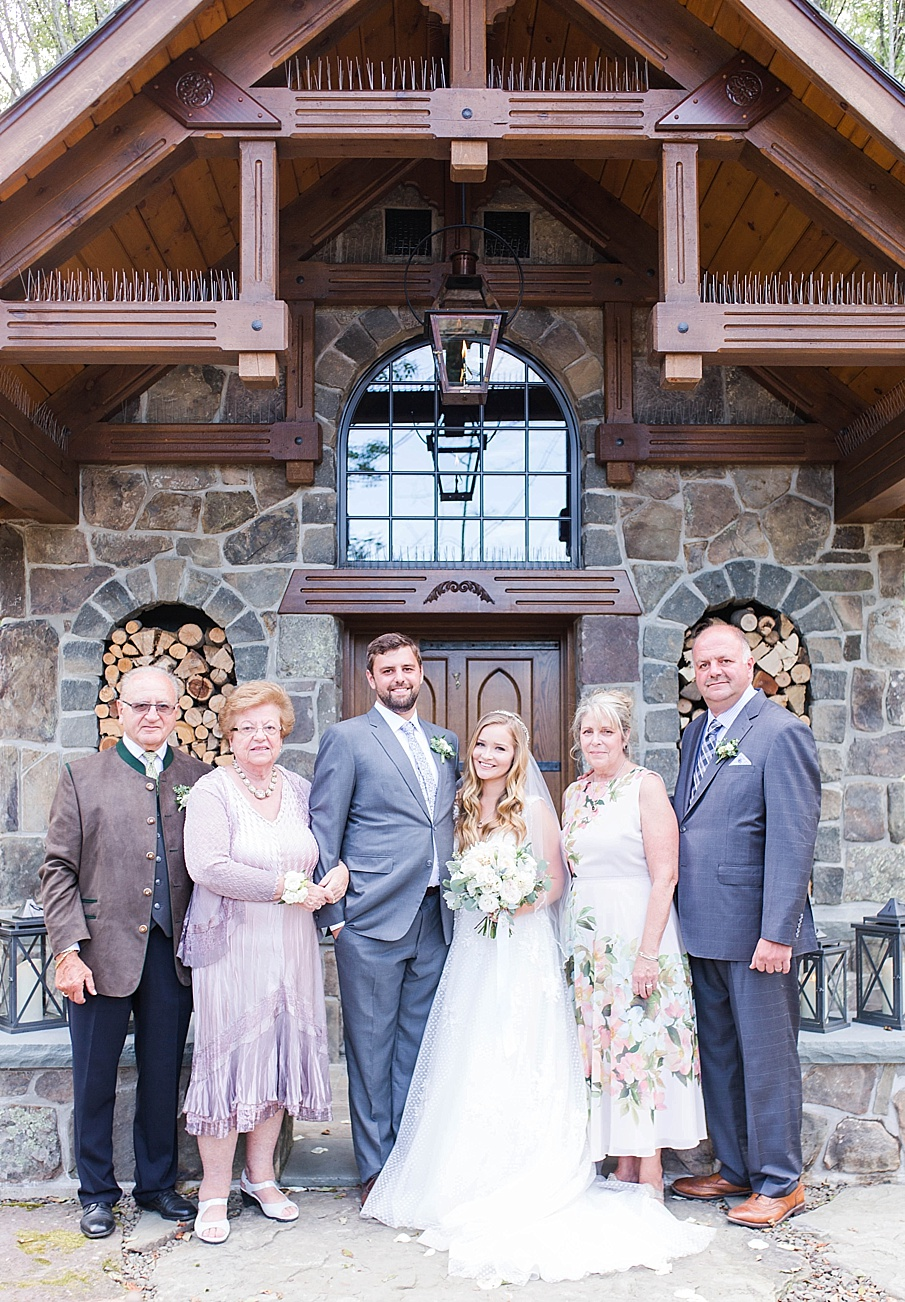 senecaryanco-pennsylvania-wedding-photographer-scranton-barnatglisteningpond_0501.jpg