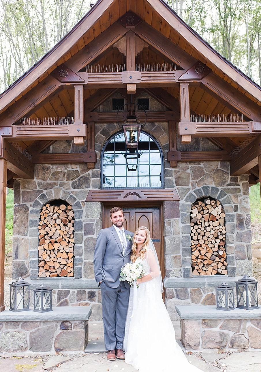 senecaryanco-pennsylvania-wedding-photographer-scranton-barnatglisteningpond_0504.jpg