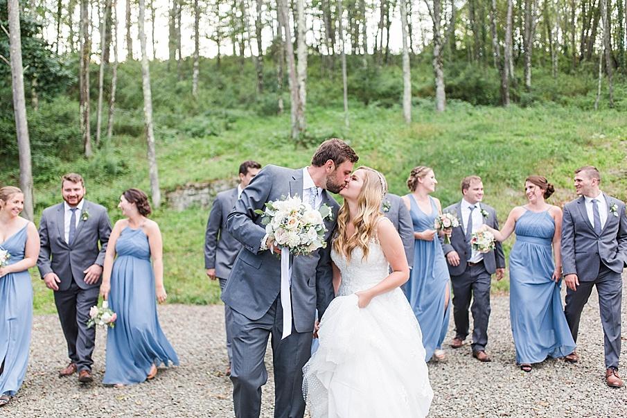 senecaryanco-pennsylvania-wedding-photographer-scranton-barnatglisteningpond_0519.jpg