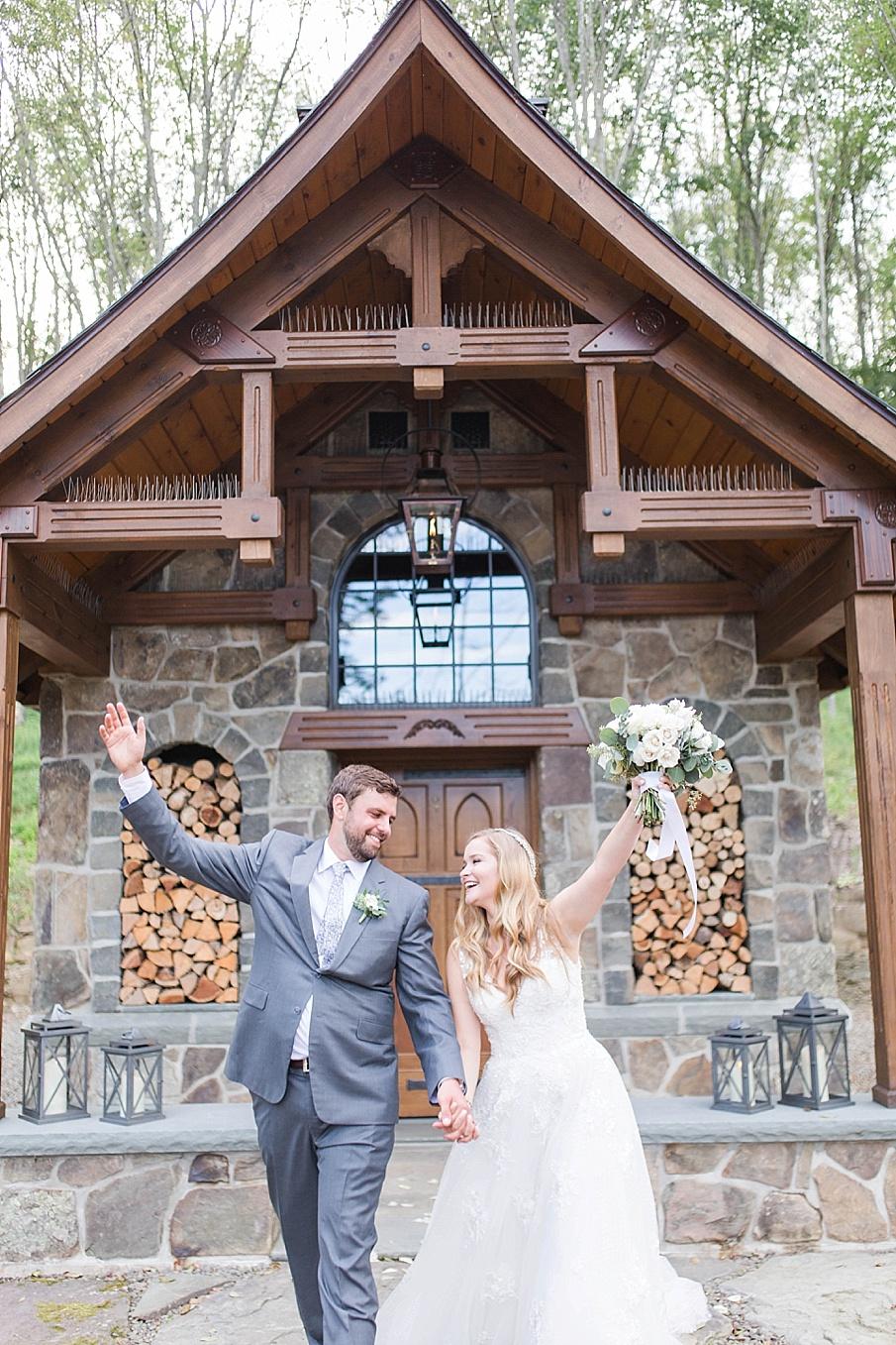 senecaryanco-pennsylvania-wedding-photographer-scranton-barnatglisteningpond_0520.jpg