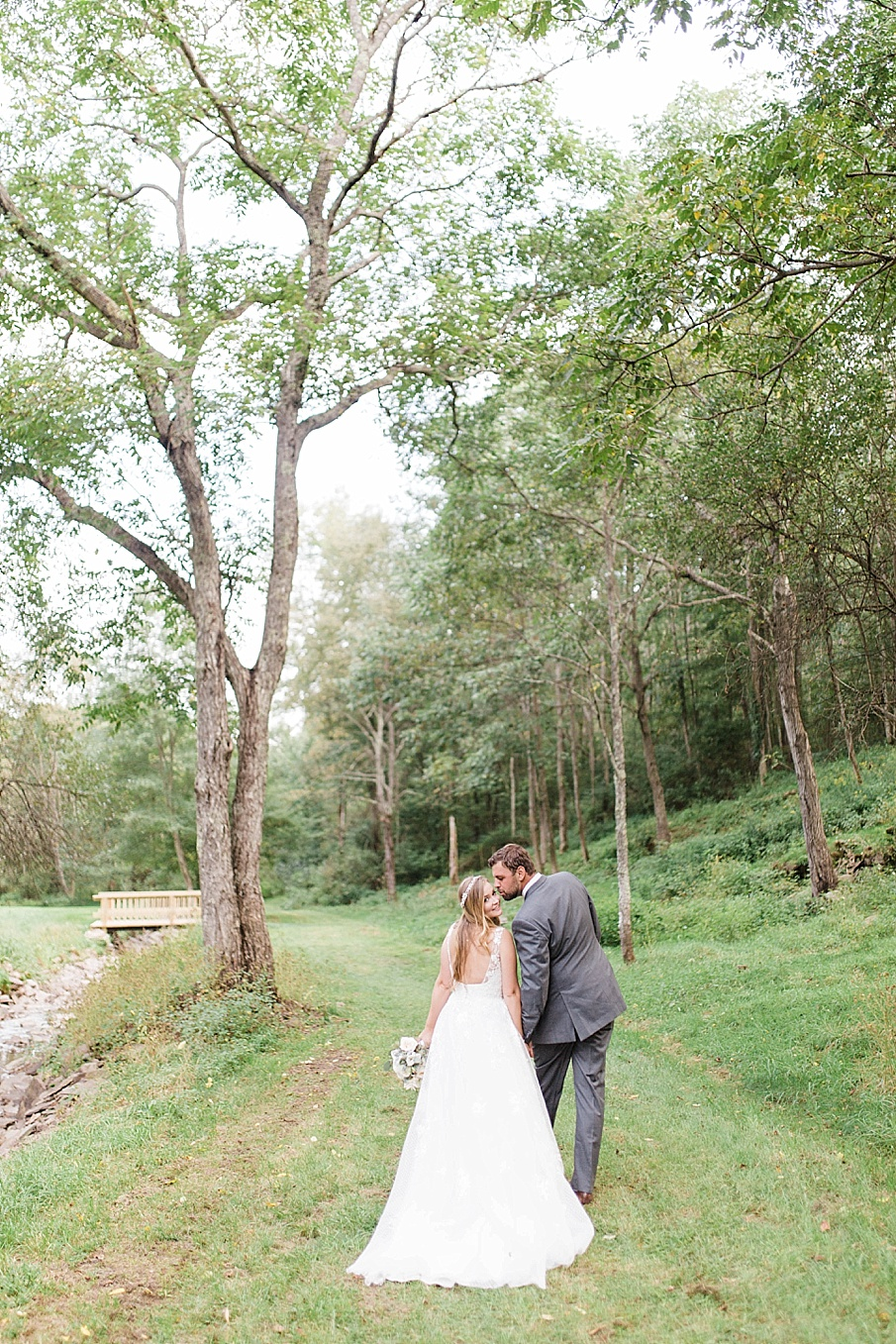 senecaryanco-pennsylvania-wedding-photographer-scranton-barnatglisteningpond_0522.jpg