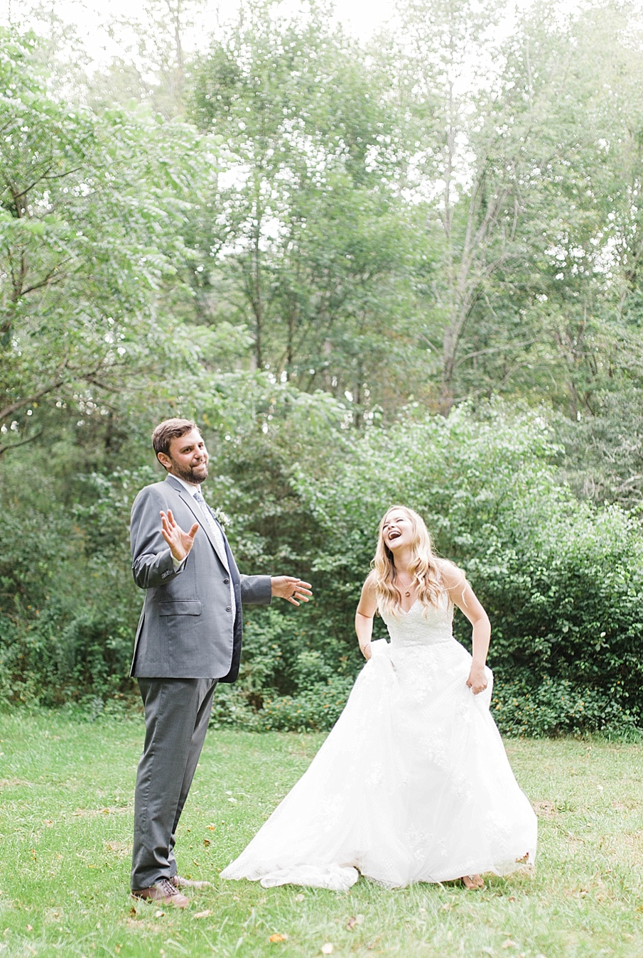 senecaryanco-pennsylvania-wedding-photographer-scranton-barnatglisteningpond_0523.jpg