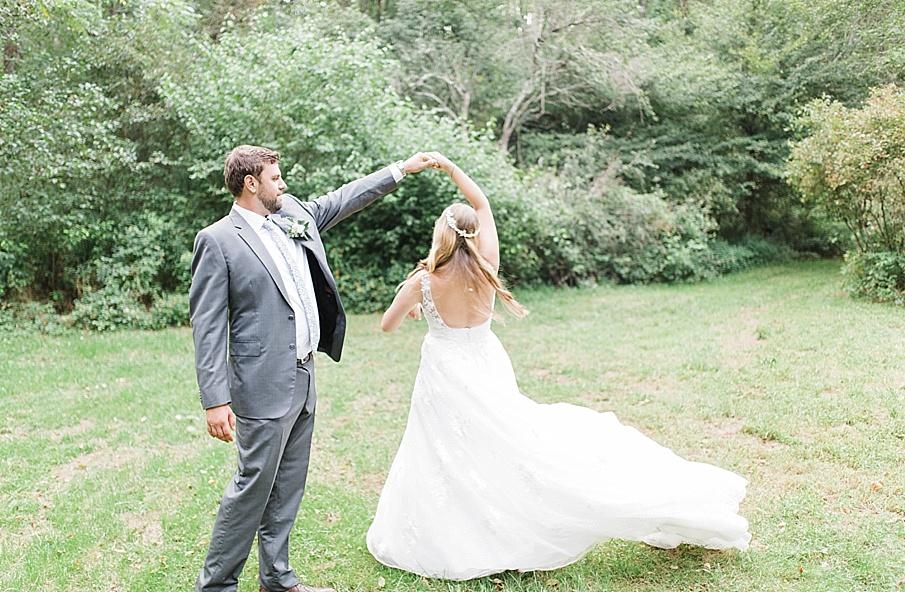 senecaryanco-pennsylvania-wedding-photographer-scranton-barnatglisteningpond_0524.jpg