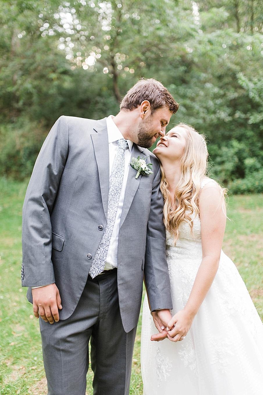 senecaryanco-pennsylvania-wedding-photographer-scranton-barnatglisteningpond_0526.jpg