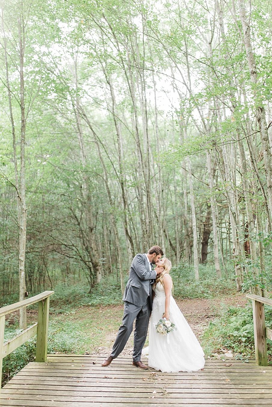 senecaryanco-pennsylvania-wedding-photographer-scranton-barnatglisteningpond_0527.jpg