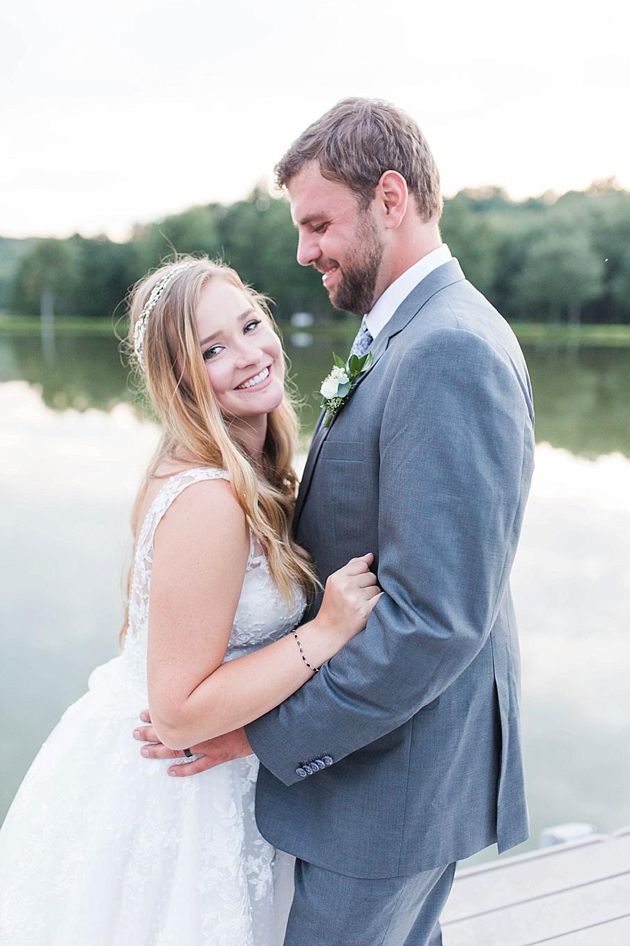 senecaryanco-pennsylvania-wedding-photographer-scranton-barnatglisteningpond_0535.jpg