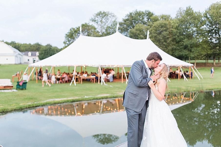 senecaryanco-pennsylvania-wedding-photographer-scranton-barnatglisteningpond_0539.jpg