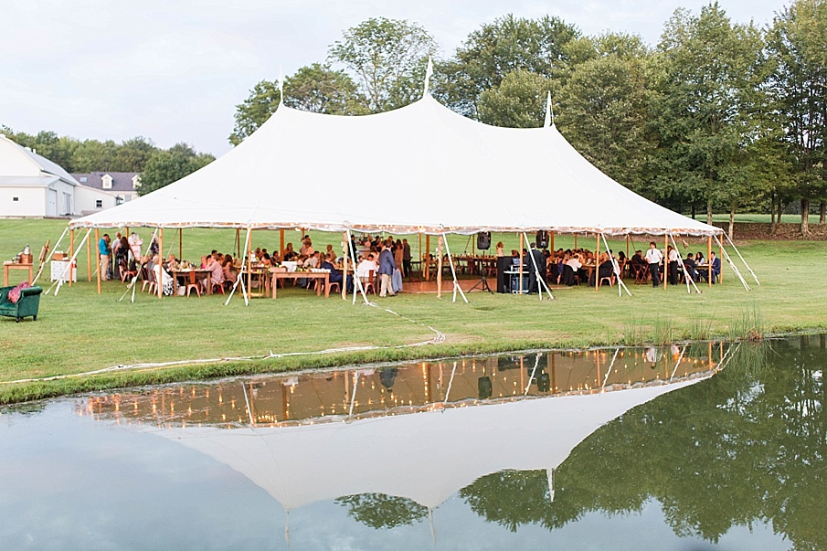 senecaryanco-pennsylvania-wedding-photographer-scranton-barnatglisteningpond_0541.jpg
