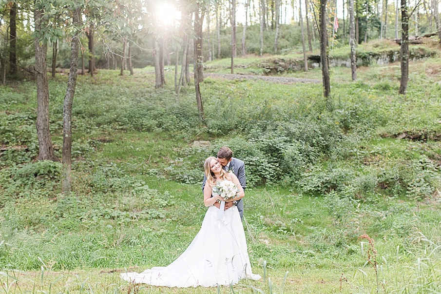 senecaryanco-pennsylvania-wedding-photographer-scranton-barnatglisteningpond_0544.jpg