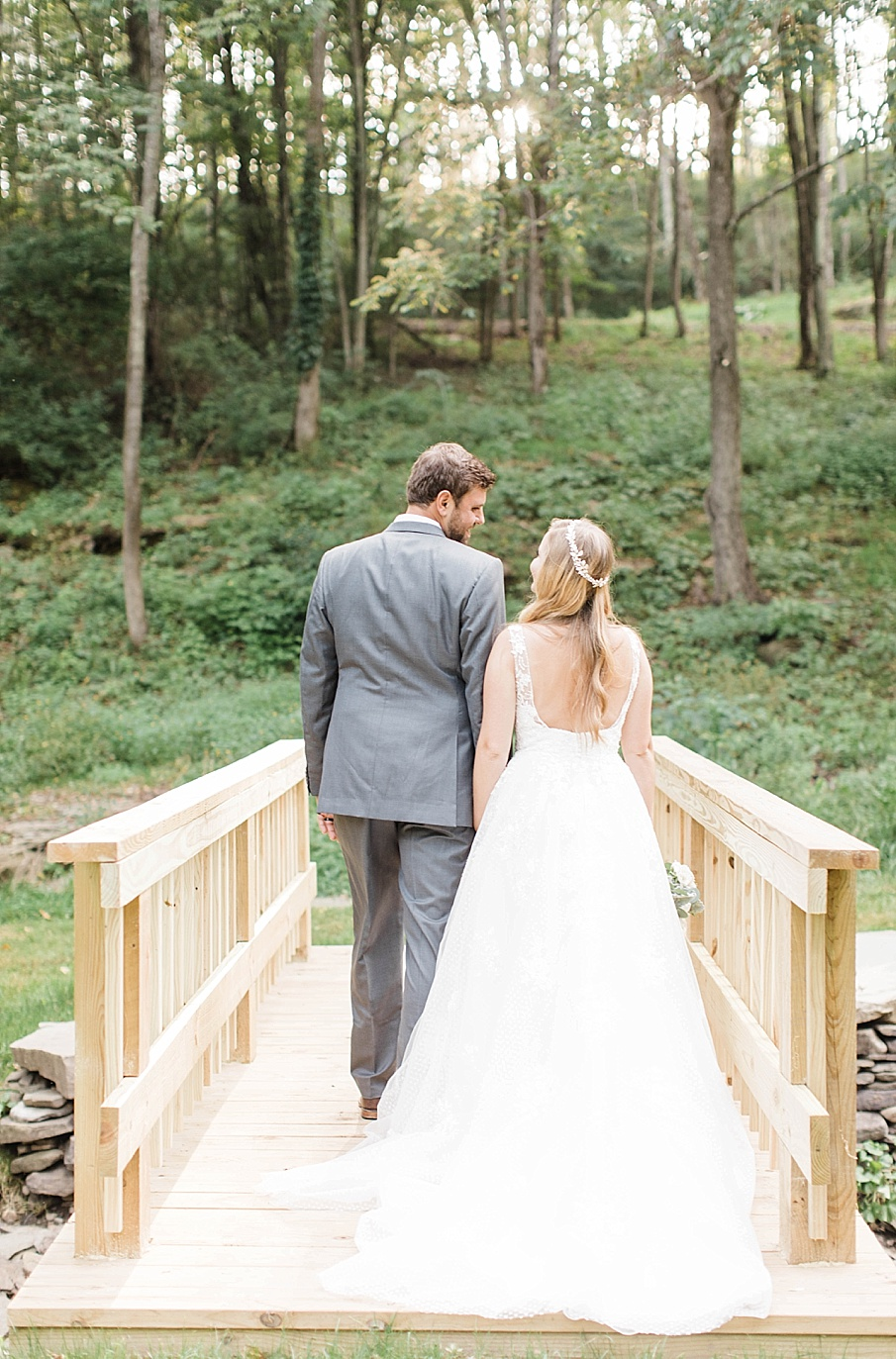 senecaryanco-pennsylvania-wedding-photographer-scranton-barnatglisteningpond_0545.jpg