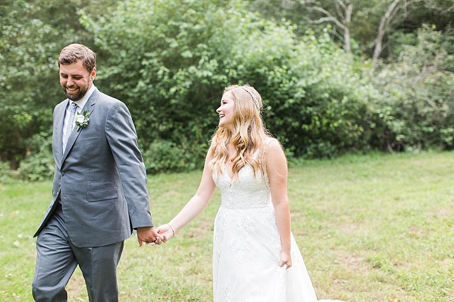 senecaryanco-pennsylvania-wedding-photographer-scranton-barnatglisteningpond_0547.jpg