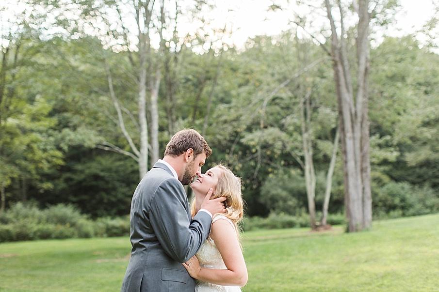 senecaryanco-pennsylvania-wedding-photographer-scranton-barnatglisteningpond_0550.jpg