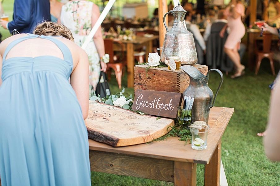 senecaryanco-pennsylvania-wedding-photographer-scranton-barnatglisteningpond_0555.jpg