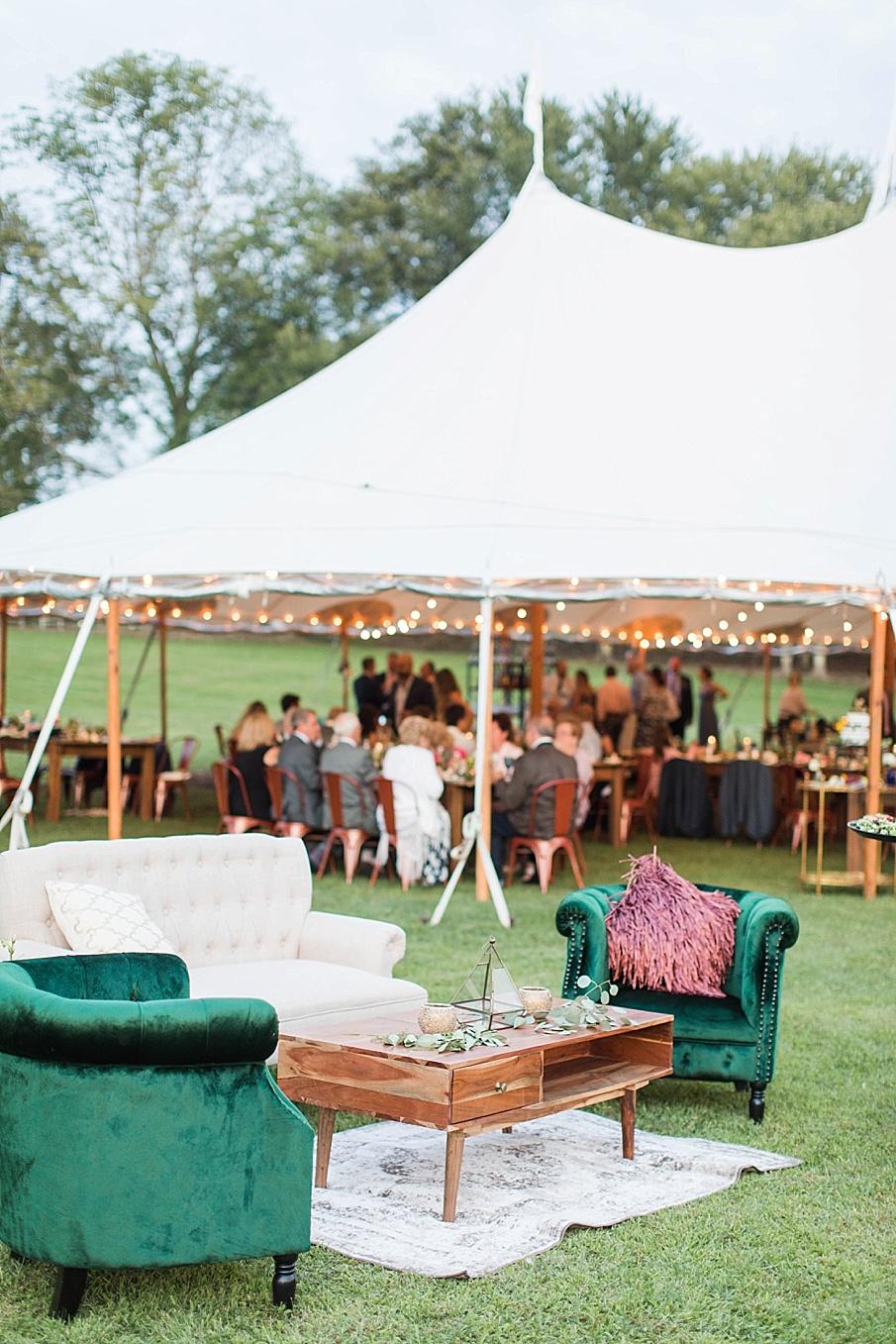 senecaryanco-pennsylvania-wedding-photographer-scranton-barnatglisteningpond_0572.jpg
