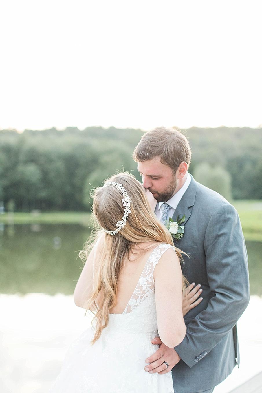senecaryanco-pennsylvania-wedding-photographer-scranton-barnatglisteningpond_0574.jpg