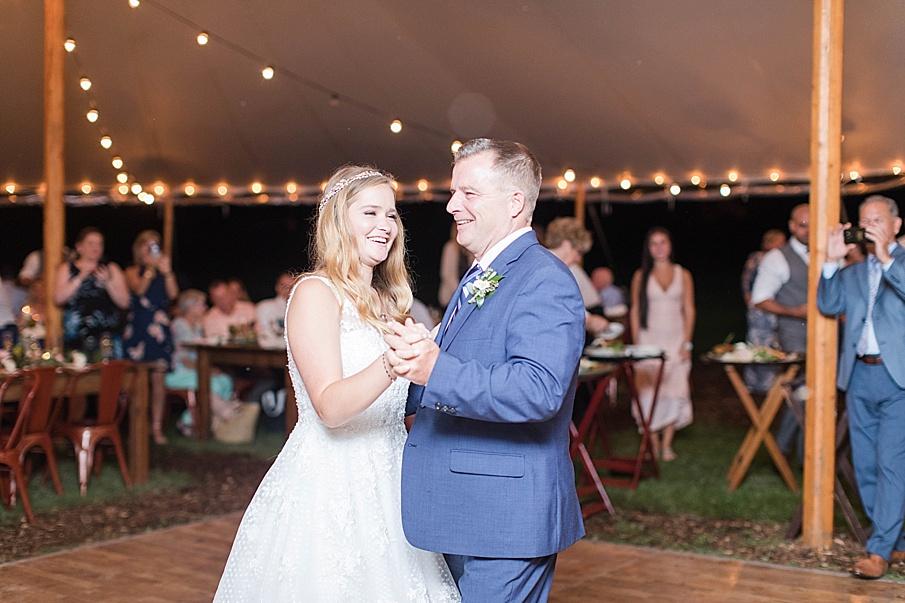 senecaryanco-pennsylvania-wedding-photographer-scranton-barnatglisteningpond_0576.jpg