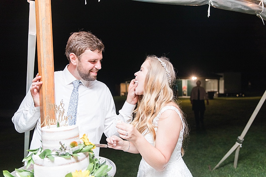 senecaryanco-pennsylvania-wedding-photographer-scranton-barnatglisteningpond_0589.jpg