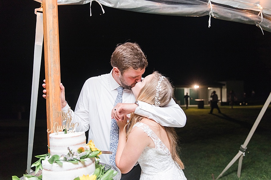 senecaryanco-pennsylvania-wedding-photographer-scranton-barnatglisteningpond_0590.jpg