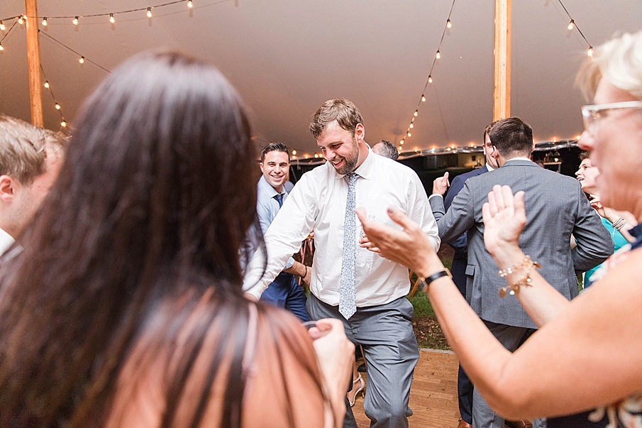 senecaryanco-pennsylvania-wedding-photographer-scranton-barnatglisteningpond_0595.jpg