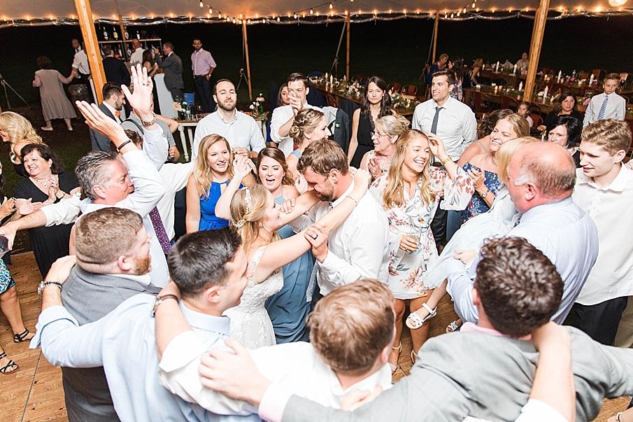 senecaryanco-pennsylvania-wedding-photographer-scranton-barnatglisteningpond_0616.jpg